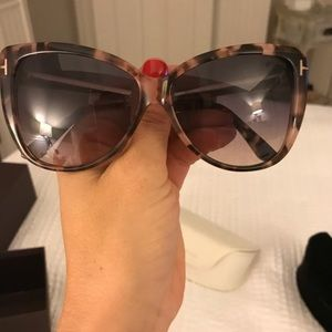 518b6ca0ee Tom Ford Accessories - Tom Ford Reveka Tortoiseshell Sunglasses!